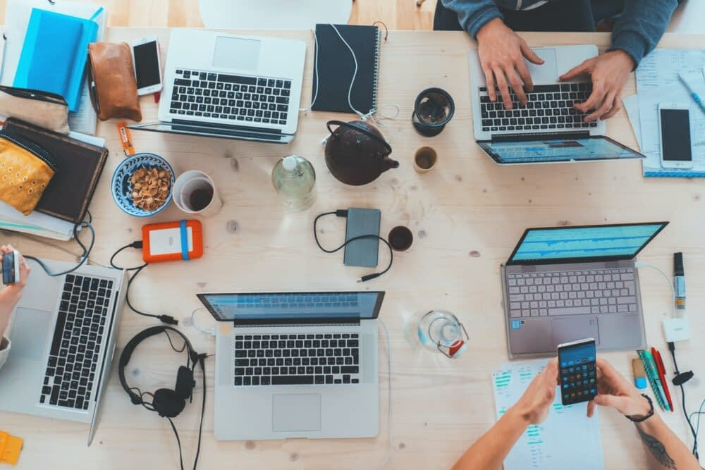 Is a Digital Agency a Better Choice than a Digital Marketing Consultant? | Melissa How